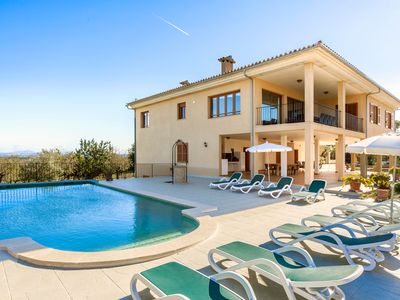 Photo for Rural Villa with pool and spectacular views – Villa Sastre