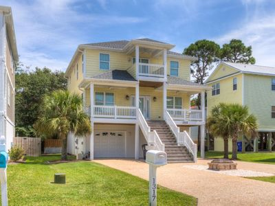 Photo for Stylishly decorated with comfort in mind, and central to Carolina and Kure Beach!