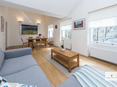 Photo for Elegant apartment close to Hyde Park - 2 double bedrooms, 2 bathrooms