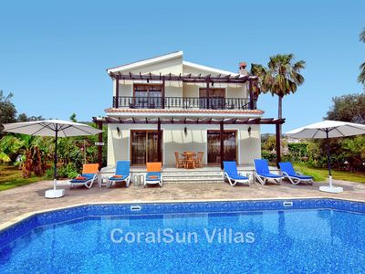 Photo for Cosy Villa only 200m to the Sea in the Exclusive Sea Caves area of Coral Bay