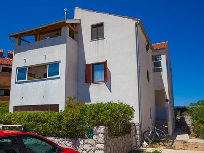 Photo for Apartment in Cres (Cres), capacity 2+2