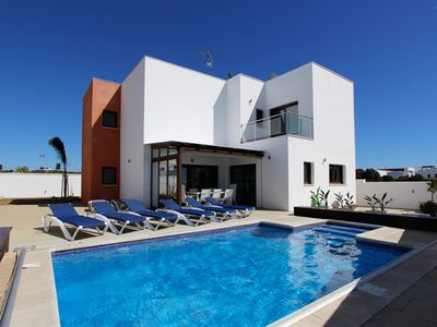 Photo for Luxury villa for up to 8 people with pool, sea views and very near the beach location