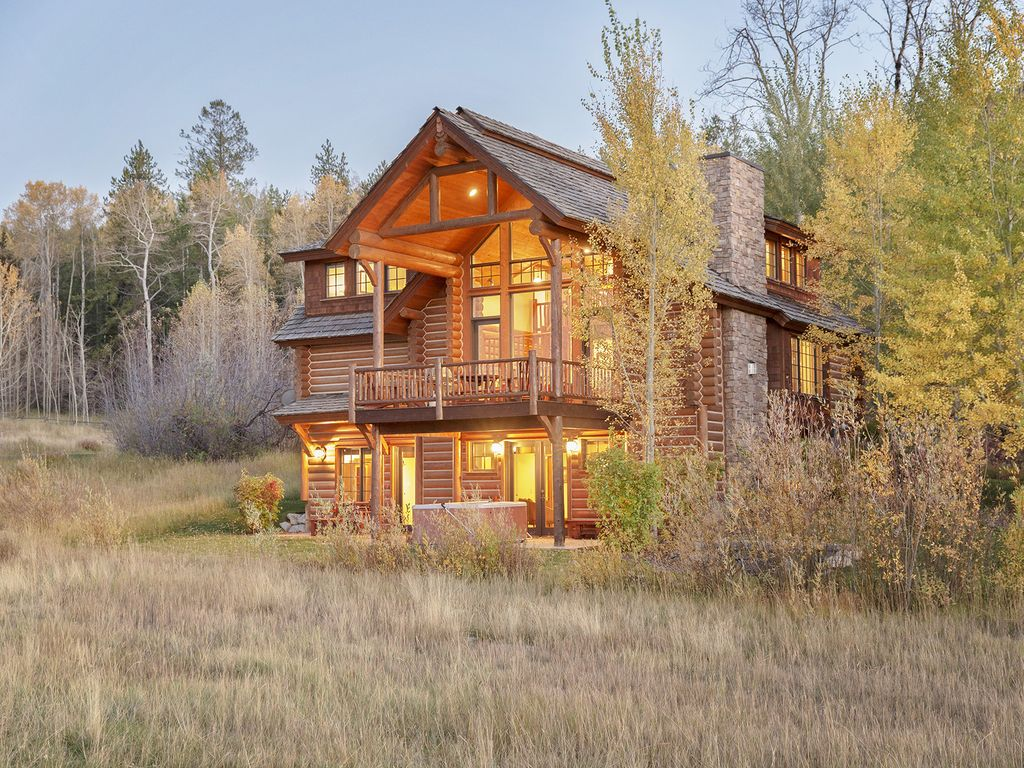 4 bedroom log cabin close to jackson hole sleeps 10 for Cabin rentals in jackson hole wy