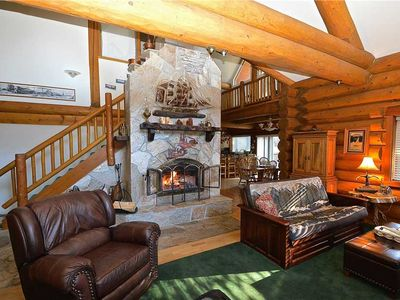 Photo for Regatta Chalet: 3 BR / 2.5 BA  in Lakeshore, Sleeps 14