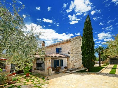 Photo for Charming holiday home with private pool and great roofed terrace !
