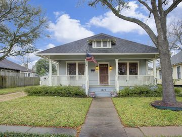Updated Historic 1901 Bungalow