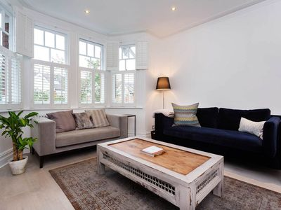Photo for Lovely 3 bedroom apartment in peaceful Chiswick. 10 mins to tube  (Veeve)