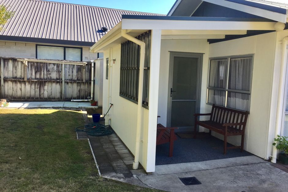 Whangamata bach quiet area close to beach andamp; shops