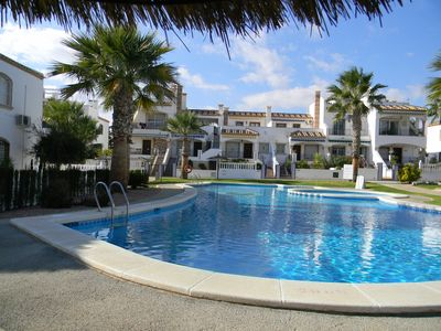 Photo for Stylish 2 Bed Apartment close to all amenities for winter &  summer sunshine