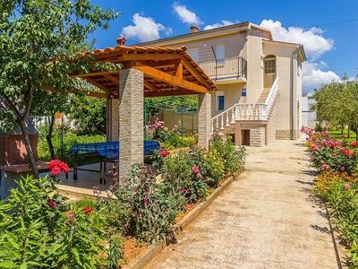Photo for Holiday apartment Medulin for 1 - 9 persons with 4 bedrooms - Holiday apartment