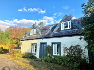 Photo for Darroch Beag Cottage, private shore front location, pet friendly, very quiet.