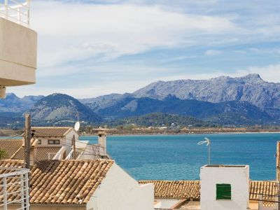 Photo for 3 bedroom Villa, sleeps 6 with FREE WiFi and Walk to Beach & Shops