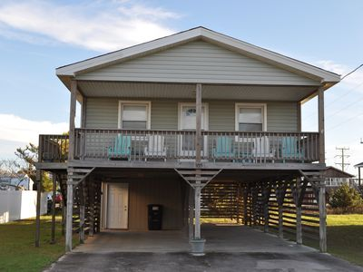 Photo for Comfortable 3 BA, 2 B cottage near the beach! Free wifi, Grill, and Bicycles!