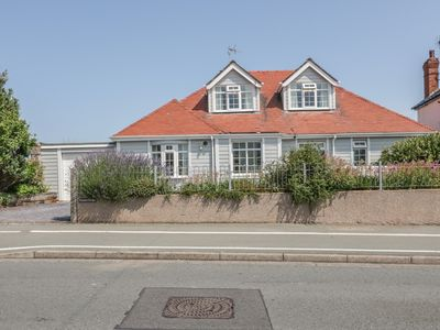 Photo for 4BR Cottage Vacation Rental in Llandudno