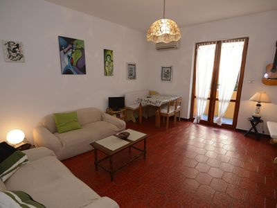 Photo for Orata apartment in Alghero with WiFi, air conditioning, shared garden & balcony.