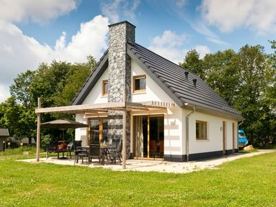 Photo for Luxury 8-person bungalow in the holiday park Landal Hochwald - in the mountains/rolling countryside