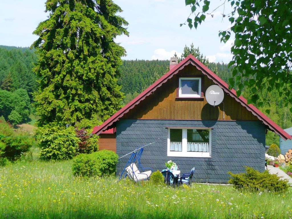 A delightfully positioned holiday home for 2 people with a for Jardin 600m2