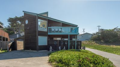 Knot a Care is an iconic beach house and a Dillon Beach favorite!!