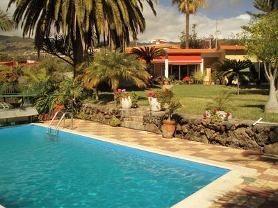 Photo for Beautiful house on the sunny side of the island, trop. Park u. Pool