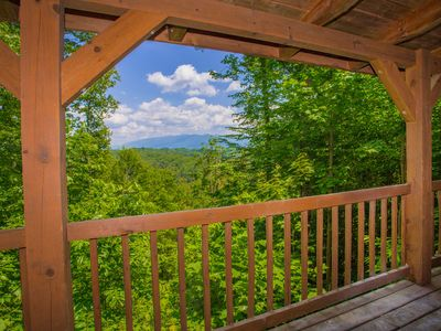 Bear Vista: Mountain View, Secluded, Gazebo, Fire Pit, close to all Attractions!