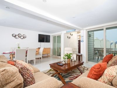 Bahia Mar 474 - Charming 3Bd/3Ba Condo with Ocean Views, Luxurious Grounds with Beachfront Swimming Pool & Spa