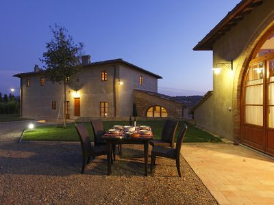 Photo for Luxury Villa with Swimmingpool in Chianti-Sleeps 22 (or +/- people).Large groups