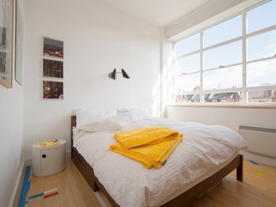 Photo for Beautiful and spacious  3 bedroom  apartment in Dalston Zone 2 London