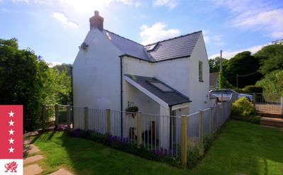 Photo for Detached 5 Star Contemporary Cottage near Saundersfoot