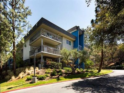 Photo for Experience the diverse energy of Los Angeles, Luxury 2 bedroom apartment