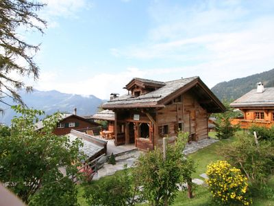 Photo for Comfortable and luxurious chalet with view on the Mont Blanc.