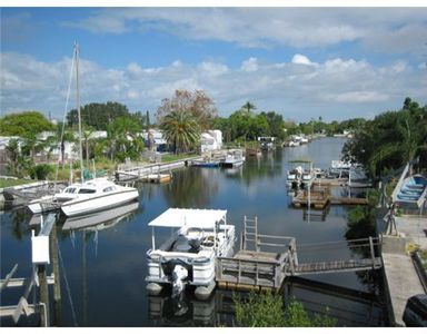 Photo for Beautiful Waterfront Property with Boat Lift. Minutes to The Gulf. Great Unit
