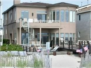 Second floor beachfront with lower deck