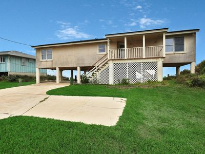 Photo for Dog-friendly oceanfront home w/ large deck & amazing views - on the beach!