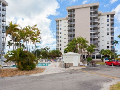 Photo for Tennis Courts - 7th Floor View - Beach Across Street - Restaurant on Site unit 1702