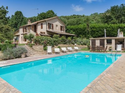 Photo for Villa Flora 9, country house with pool nestled in greenery, just 6 km from the Adriatic Coast