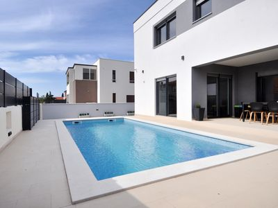 Photo for Beautiful villa for 8 people with private pool just 4 km from Pula