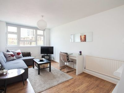 Photo for Cute 1 bed sleeps 4 in Angel
