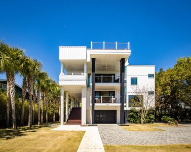 Photo for Southern Charm with Modern Luxury in Charleston, South Carolina