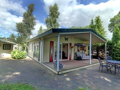 Photo for Cosy apartment for 4 guests with WIFI, pool, TV and parking