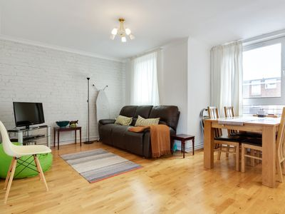 Photo for 2bed w/balcony by Thames 8mins to Clapham Junction