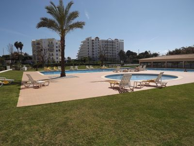 Photo for 2 Bed Apartment with pool / aircon / wifi - Praia da Rocha