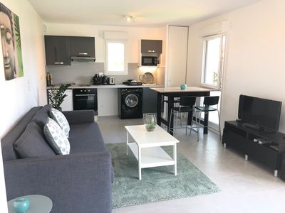 Photo for Cozy apartment with garden, wifi, metro and parking