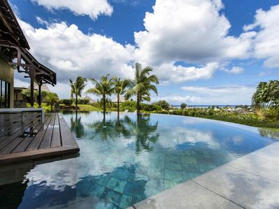 Photo for Luxury villa for up to 8 persons with private pool and sea view