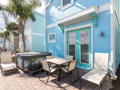 Photo for Margaritaville Resort Orlando - 3 bedroom/3 bath cottage - 8032 Dreamsicle Drive