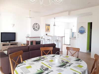 Photo for Large apartment (6 people) - Downtown Hyères