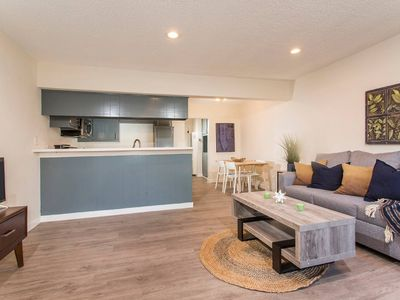 Photo for Sleek, Modern, Fully Renovated 1 Bdrm Apt!!