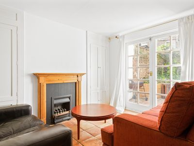 Photo for Spacious 4 Bed House w/Terrace in Angel Islington