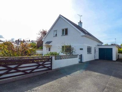 Photo for FERNLEA, pet friendly, with open fire in Morfa Nefyn, Ref 940379