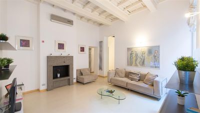 Photo for Spacious Purificazione Hi-Tech ... 1178 apartment in Via Veneto with air conditioning.