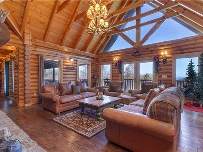 Photo for Lookout Lodge, 5 Bedrooms, Pool Access, Hot Tub, Fireplace, WiFi, Sleeps 18